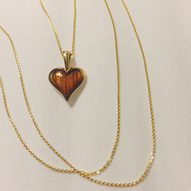 One of my presents from Will, a gold necklace with wood inlay from the Hawaiian Koa tree, used to make jewelry for royalty in the past and symbolizes strength, resilience, courage, boldness and fearlessness. <3